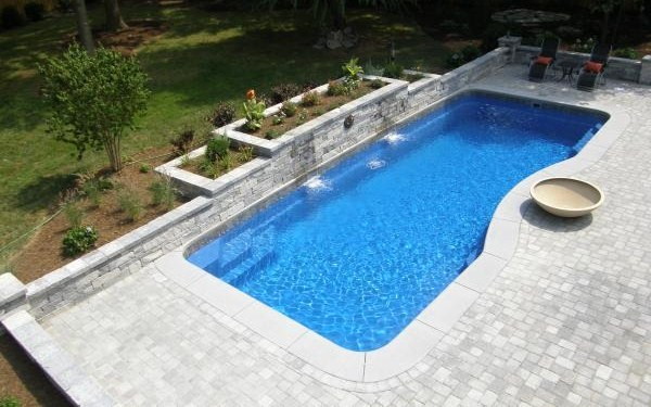Using Wall Cladding Tiles And Swimming Pool Paving