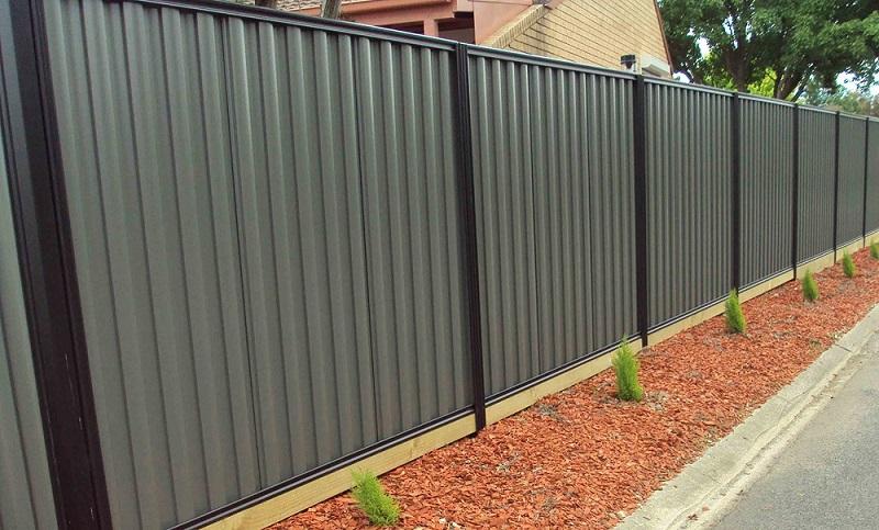 fencing contractors Campbelltown