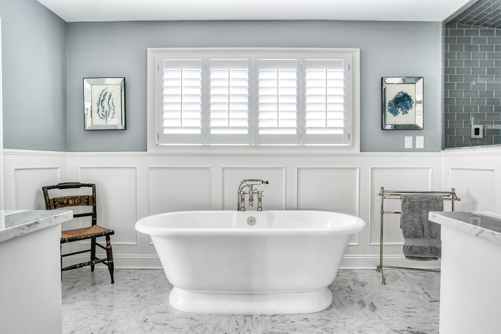 Home decor is a incomplete without the upgraded bathroom decoration. A bathroom decor is also in imperfect without the contemporary bathroom vanities.