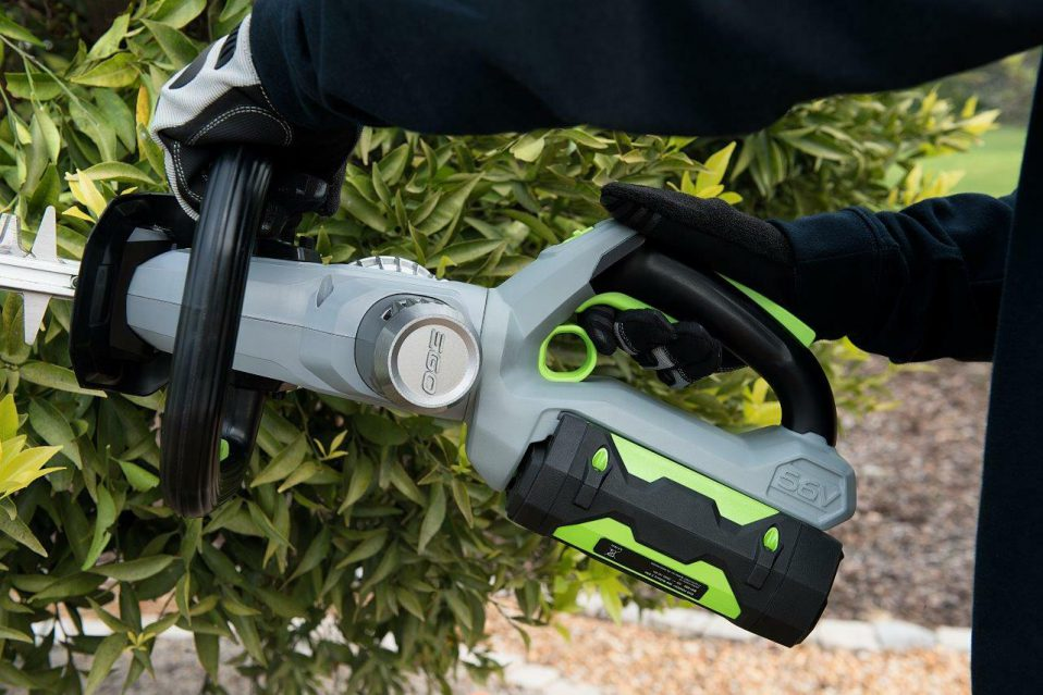 Thus, the above-mentioned article will discuss the basic guidelines for the battery powered trimmer. So make use of this thing for buying the good product for your need.